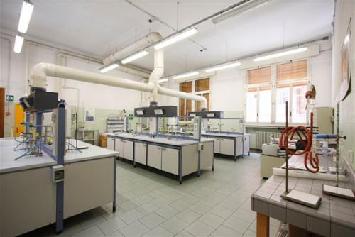 Arredo laboratorio for Arredi da laboratorio